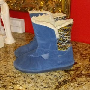 1119 BearPaw Geneva Suede Boots